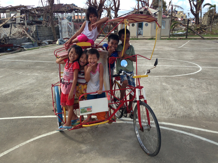 Children-in-Guiuan-2
